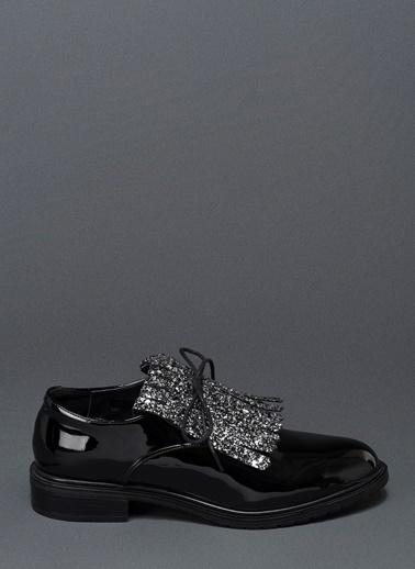 Bambi Püskül Detaylı Klasik Ayakkabı Siyah
